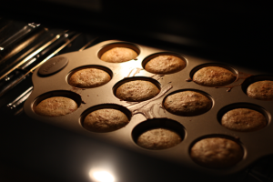 cupcakes-baking-in-oven